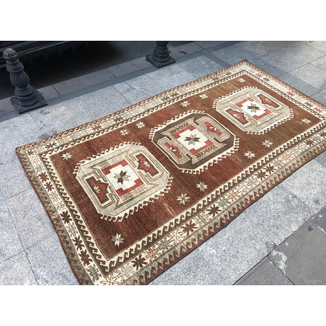 1960s 1960s Vintage Handmade Turkish Bohemian Wool Rug- 4′5″ × 8′4″ For Sale - Image 5 of 11