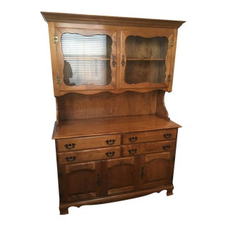 1970s Traditional Maple Hutch For Sale