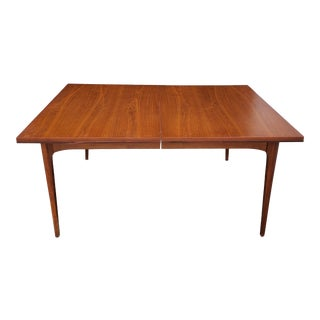 Vintage 1960s Kroehler Scandinavian Style Walnut Dining Table For Sale