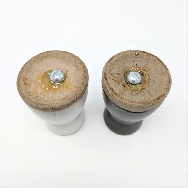 Vintage Salt and Pepper Shakers by Gordon & Jane Martz for Marshall Studios - a Pair For Sale In Sacramento - Image 6 of 7