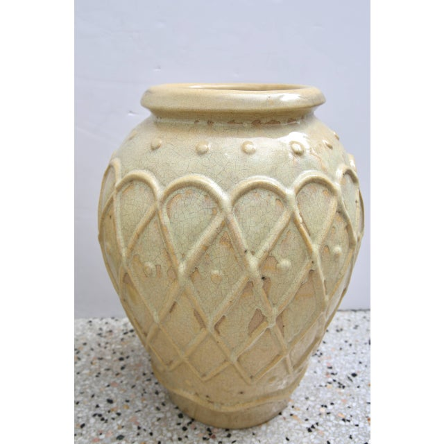 American Art Deco Glazed Pottery Urns Planters Cache Pot by Galloway - a Pair For Sale In West Palm - Image 6 of 10