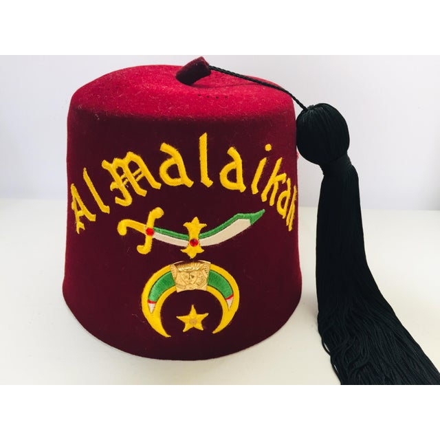 Lodge Al Malaikah Iconic Masonic Shriner Burgundy Wool Fez Hat in Original Box For Sale - Image 3 of 12