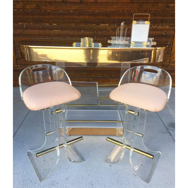 Pink Hill Manufacturing Lucite & Brass Bar Stools - a Pair For Sale - Image 8 of 10