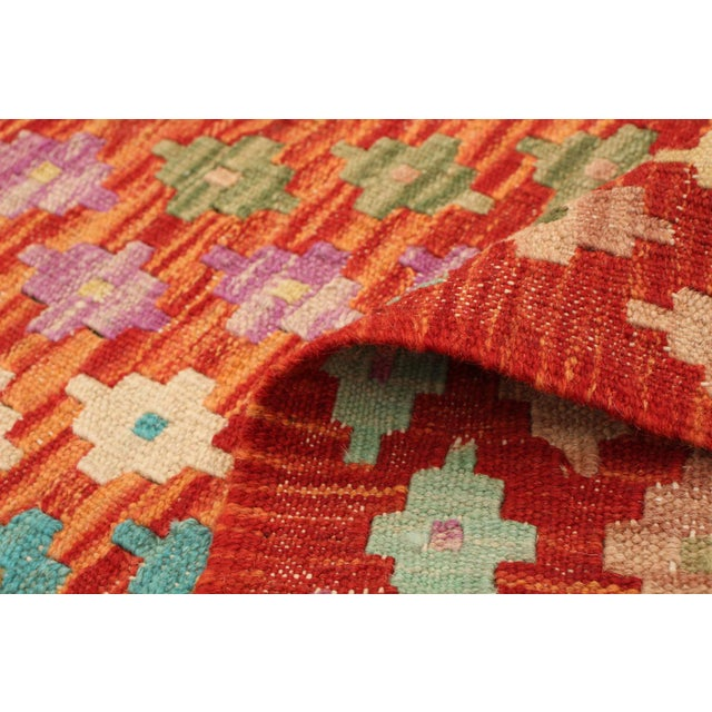 "Textile Turkish Kilim Rug- 4'11"" X 6'4"" For Sale - Image 7 of 9"