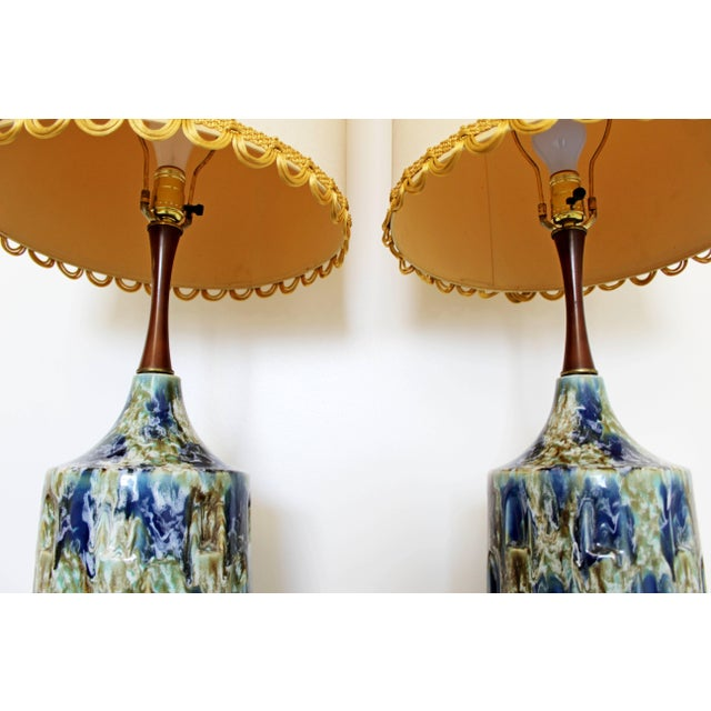 1960s Mid-Century Modern Blue Drip Lava Glaze Ceramic Table Lamps - a Pair For Sale - Image 4 of 8