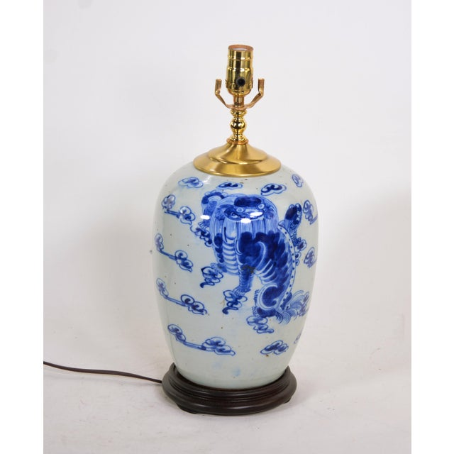 Chinese blue and white porcelain vase table lamp at the end of the 19th century