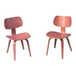 Vintage Blush Red Bentwood Thonet Chair - a Pair For Sale