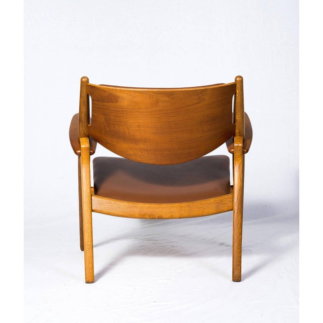 Hans Wegner CH-28 Lounge Chair For Sale In Los Angeles - Image 6 of 10