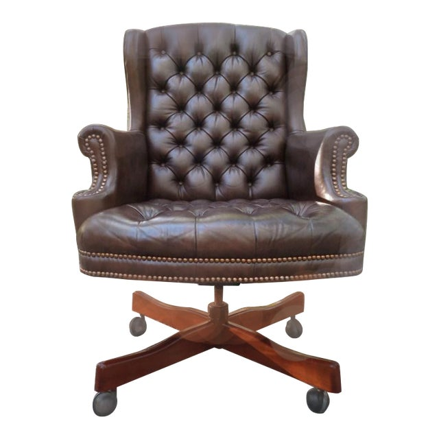 https://chairish-prod.freetls.fastly.net/image/product/sized/2d587a8f-970f-4abf-a25e-ba828514f289/vintage-tufted-brown-leather-executive-office-chair-9364?aspect=fit&width=640&height=640