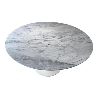 Tulip Round Marble Table