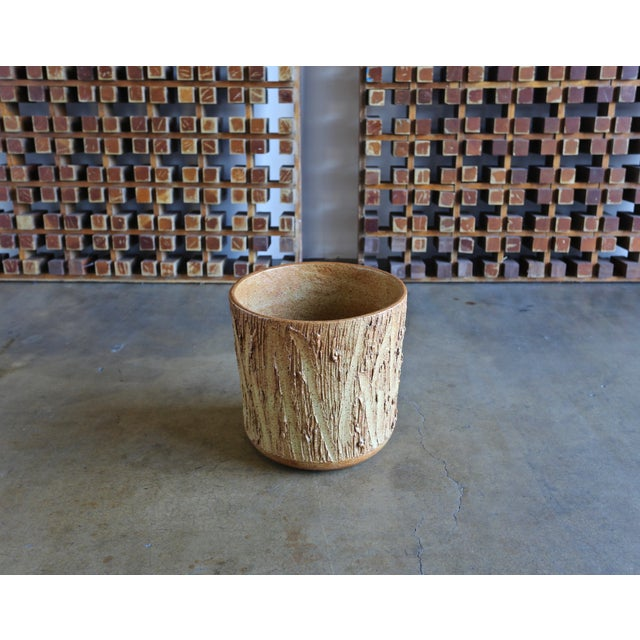 """1970s David Cressey for Architectural Pottery """"Scratch"""" Texture Planter For Sale - Image 9 of 9"""