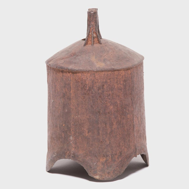 19th Century Provincial Chinese Iron Bell For Sale - Image 4 of 6