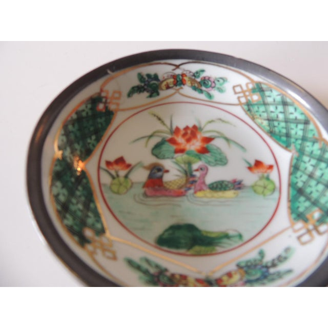 Japanese Vintage Imari Japanese Green and Orange Decorative Plate For Sale - Image 3 of 6