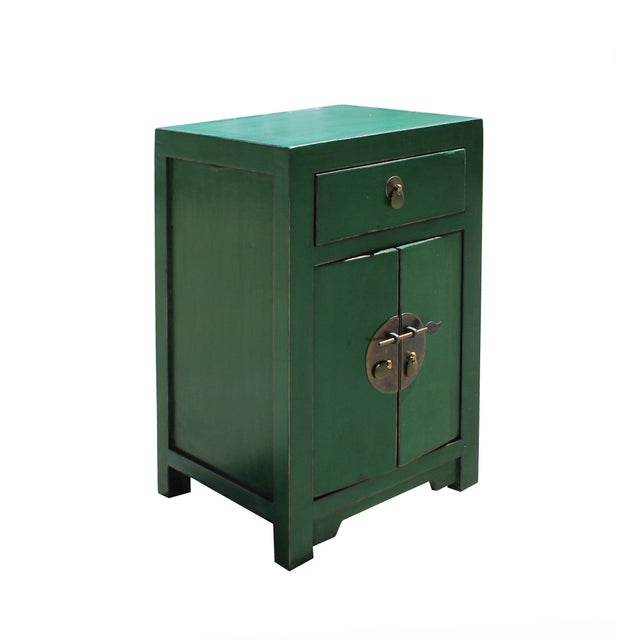 2010s Chinese Oriental Distressed Green Lacquer Side End Table Nightstand For Sale - Image 5 of 7