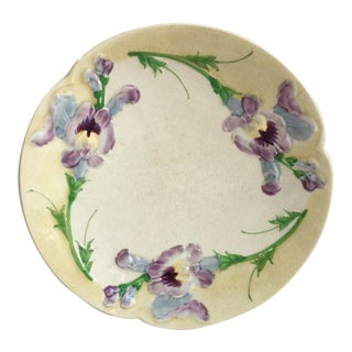 French Majolica Sweet Peas Plate Choisy Le Roi, Circa 1880 For Sale