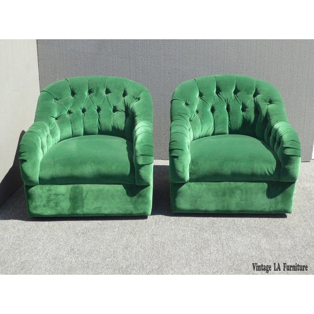 Vintage Pair of Mid Century Modern Tufted Green Velvet Swivel Club Chairs - Image 2 of 11