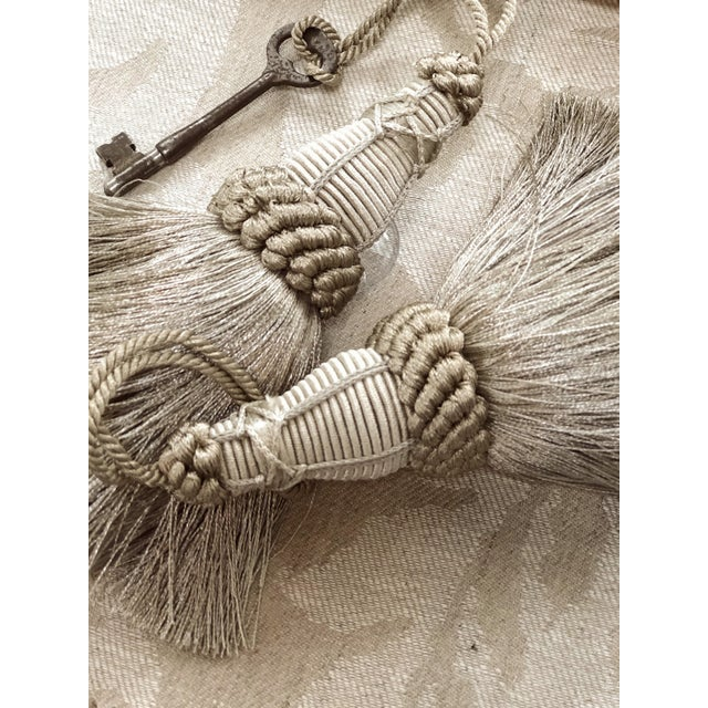 Key Tassel in Pewter and Silver With Looped Ruche Trim For Sale - Image 9 of 10