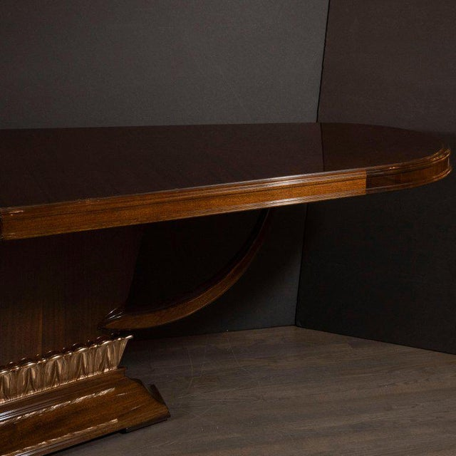 Art Deco Book Matched Mahogany Dining Table With 24-Karat Gilt Acanthus Details For Sale In New York - Image 6 of 12