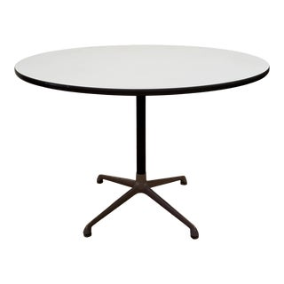 1966 Herman Miller Space Age Round Dining Table For Sale
