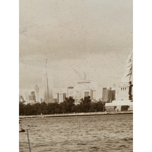 Black 1970s Cityscape of Lower Manhattan Photograph, Framed For Sale - Image 8 of 11