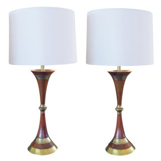 A Shapely Pair of American Mid-Century Walnut & Brass Hour-Glass Shaped Lamps For Sale