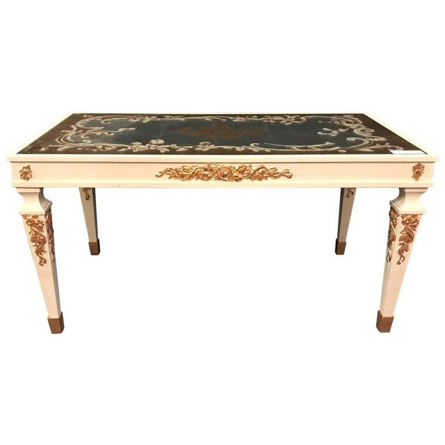 Hollywood Regency Eglomise Top Parcel Paint and Gilt Decorated Coffee Table For Sale - Image 11 of 12