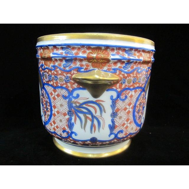 Asian Vintage Porcelain Imari Pot Small Handle Vase Jar Gold Gilt Floral Design For Sale - Image 3 of 7