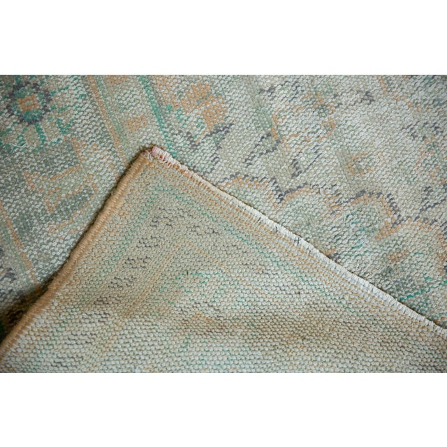 "Textile Vintage Distressed Oushak Carpet - 6'4"" X 9'10"" For Sale - Image 7 of 12"