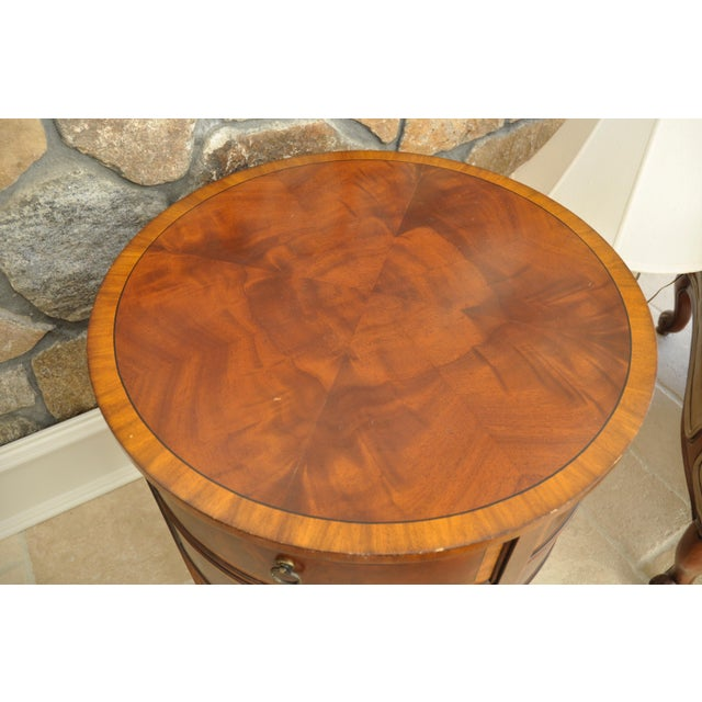 Ethan Allen Newport Collection Osborne Round End Table - Image 6 of 8