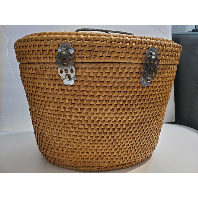 1970s Vintage 1970s Reed Picnic/Bar/Espresso Basket For Sale - Image 5 of 13