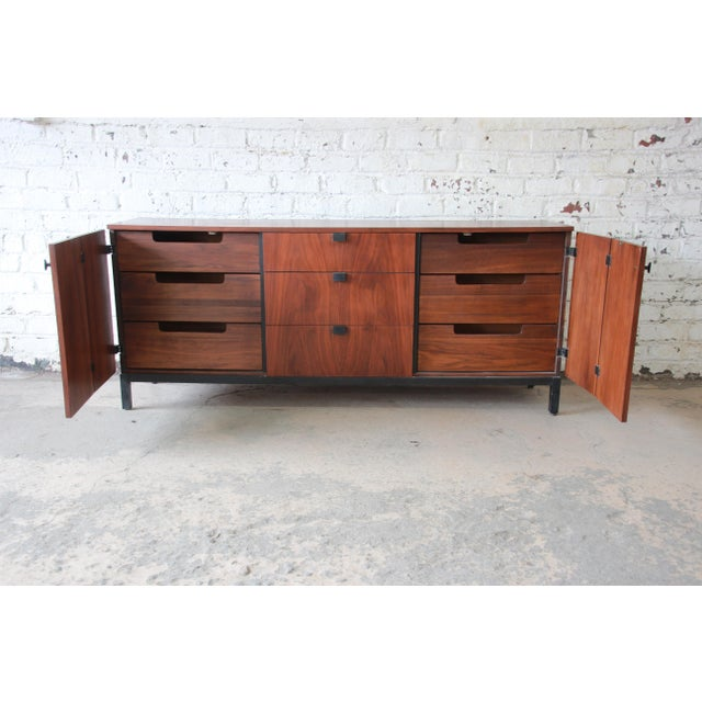 1960s Milo Baughman for Directional Mid-Century Modern Walnut Credenza or Triple Dresser For Sale - Image 5 of 12
