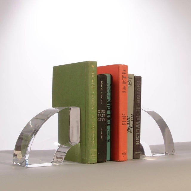 Mid-Century Modern Vintage Modern Astrolite Products Lucite Arched Bookends For Sale - Image 3 of 9