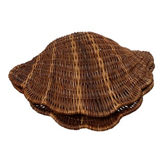 Coastal Boho Chic Wicker Scallop Clam Shell Basket For Sale