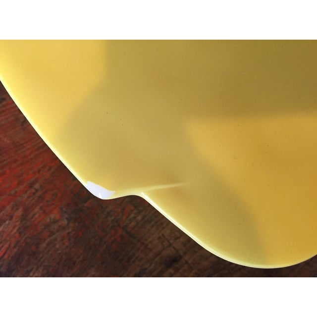 4-Piece Yellow Pyrex Square Salad Set - Image 4 of 9