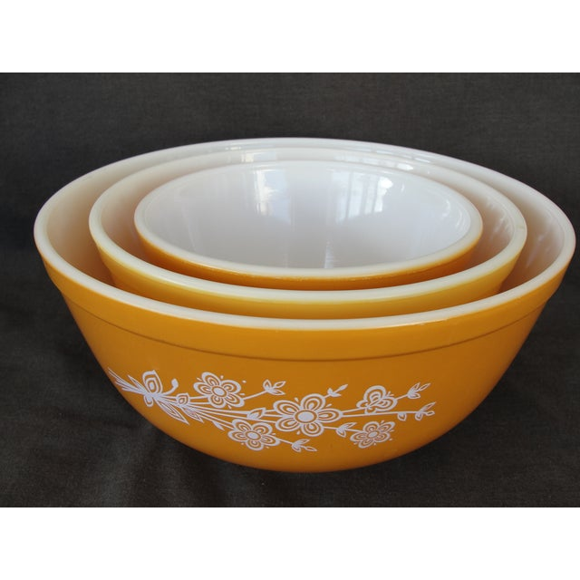 Pyrex Butterfly Gold Cinderella Bowls - Set of 3 - Image 7 of 7