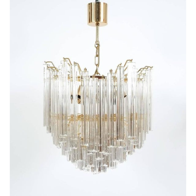 Mid-Century Modern Four-Tier Chandelier with Murano Glass Triedri Prisms For Sale - Image 3 of 7
