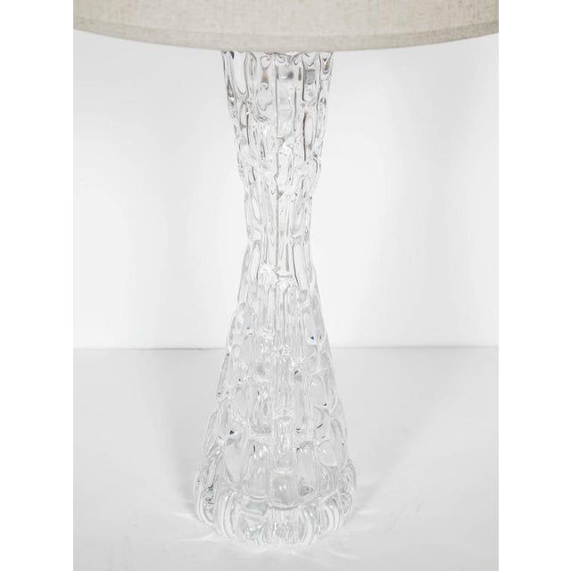 Transparent Pair of Swedish Mid-Century Modern Crystal Hourglass Lamps by Orrefors For Sale - Image 8 of 10