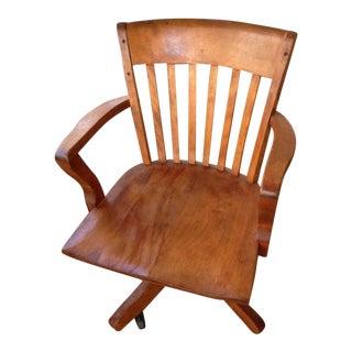 1920s Vintage Gunlocke Style Solid Honey Maple Wood Bankers Office Swivel Chair For Sale