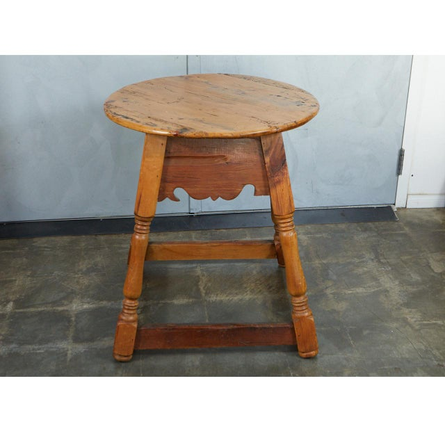 English Round Pine Table For Sale In Los Angeles - Image 6 of 10