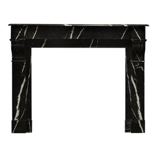 Chic Black and White Marble Fireplace Mantel For Sale