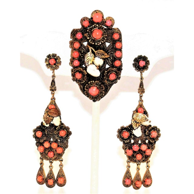 1920s Vintage Czech Faux-Coral Earrings and Dress Clip Set For Sale In Los Angeles - Image 6 of 6