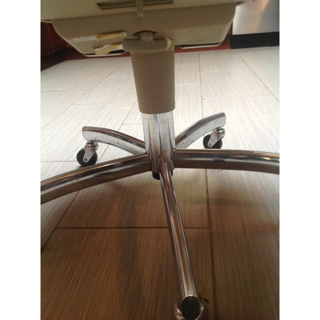 Mid-Century Steelcase Chrome Office Chair - Image 4 of 9
