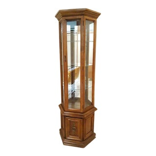Vintage Traditional Lighted Curio Display Cabinet For Sale