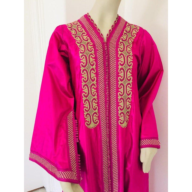 Moroccan Vintage Caftan 1970s Kaftan Maxi Dress Hot Pink Fuchsia For Sale In Los Angeles - Image 6 of 13
