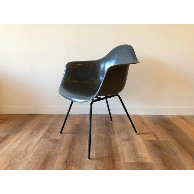 Eames Fiberglass Molded Side Chair for Herman Miller For Sale - Image 11 of 13