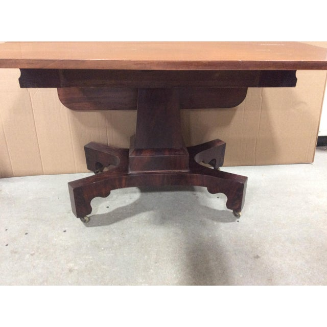 19th Century American Classical Mahogany Drop Leaf Table For Sale In Boston - Image 6 of 9