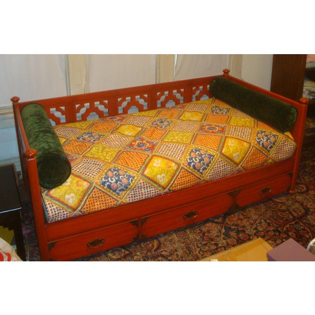 Asian 1970s Chinoiserie Fretwork Daybed Sofa Fits Twin Bed For Sale - Image 3 of 7