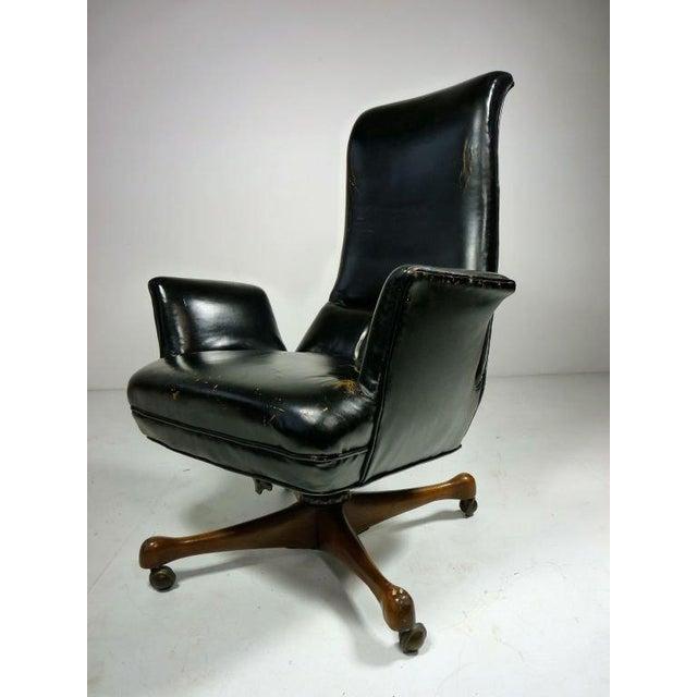 Rare Vladimir Kagan desk chair in original black leather.