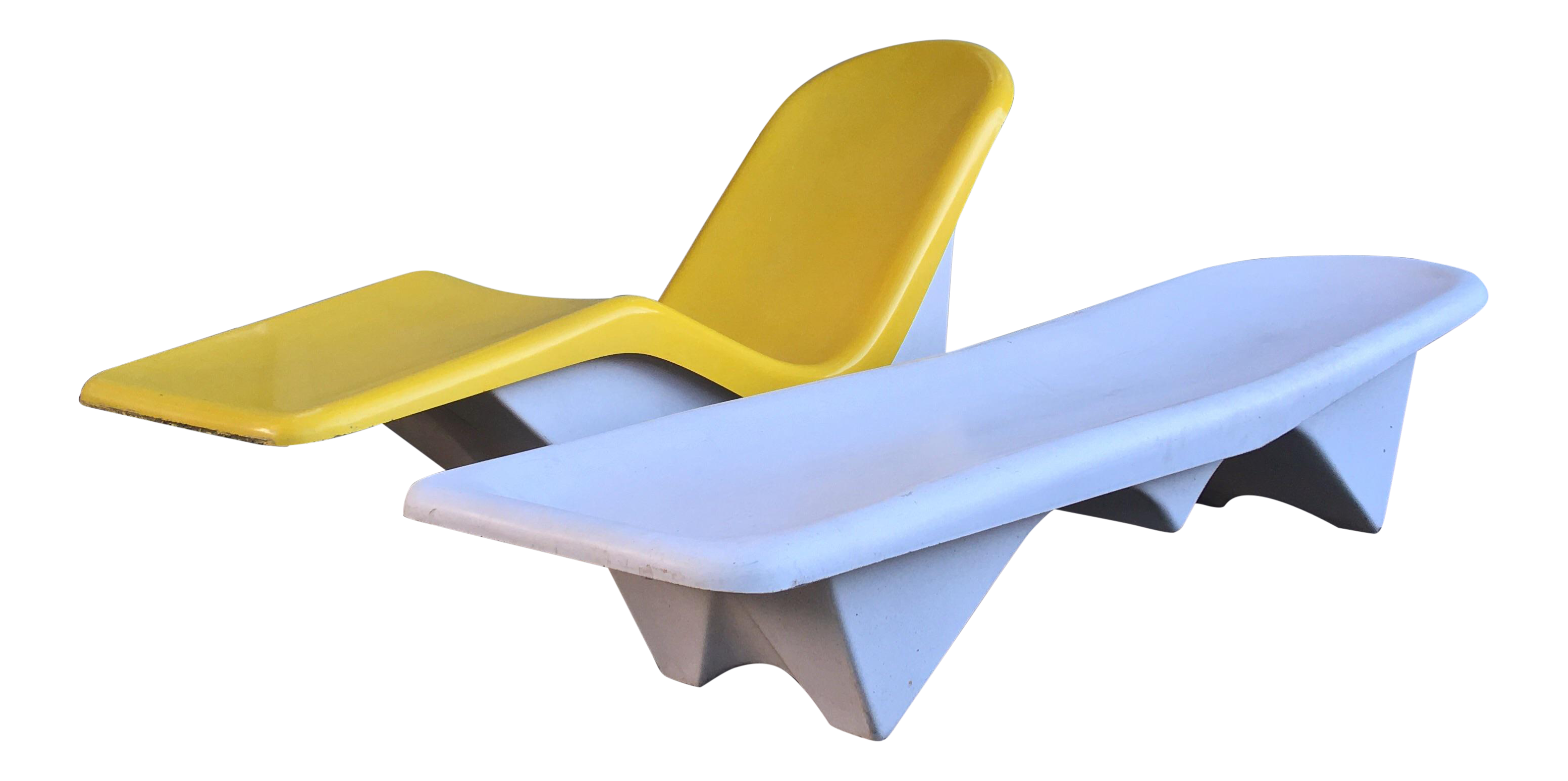 1960s Mid Century Modern Yellow And White Fiberglass Pool Chairs   A Pair