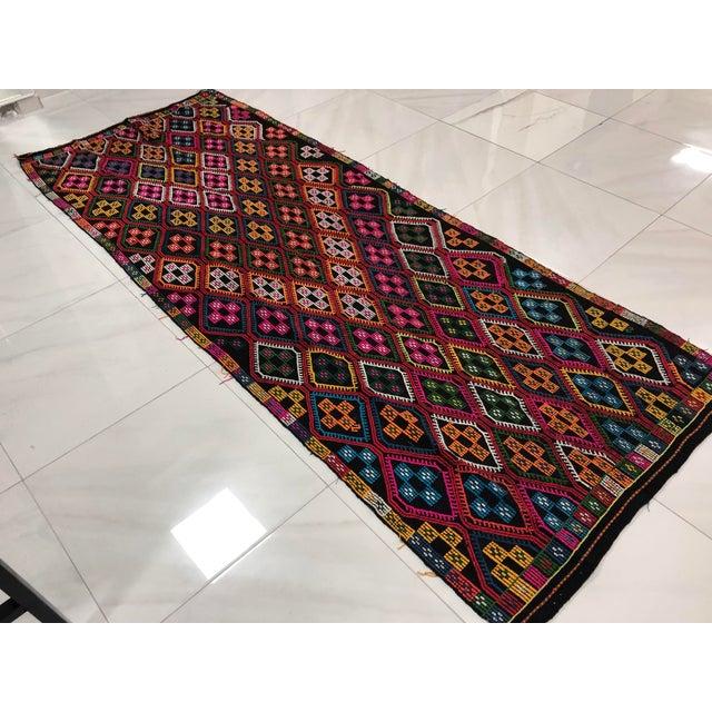 Islamic 1960s Vintage Naturel Wool Turkish Kilim Rug- 3′10″ × 9′8″ For Sale - Image 3 of 11